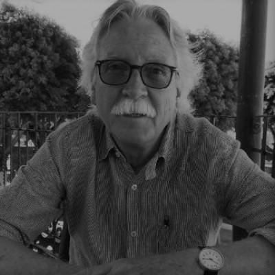 El vuelo milenario / Julio Glockner en Elementos