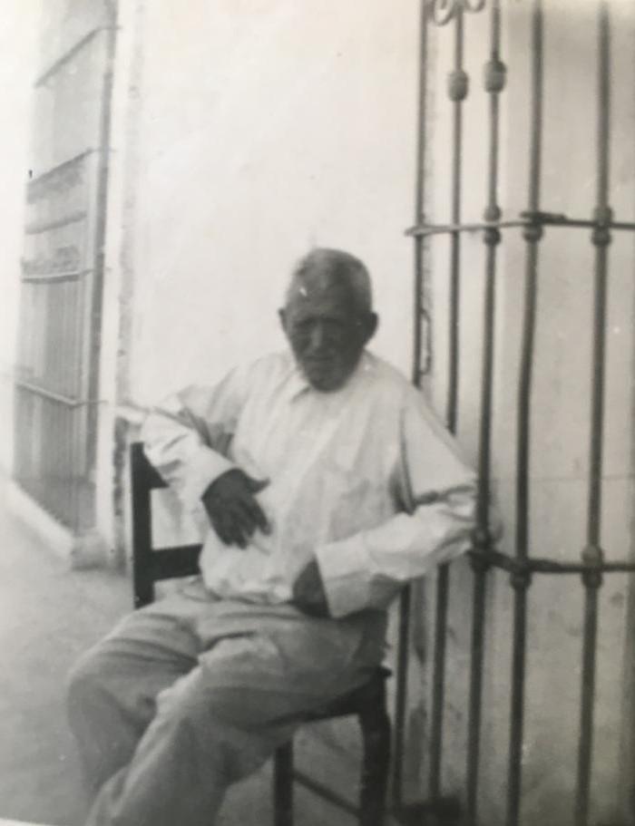 Tío Toño, el abuelo imaginado / Crónica de José Luis Pandal