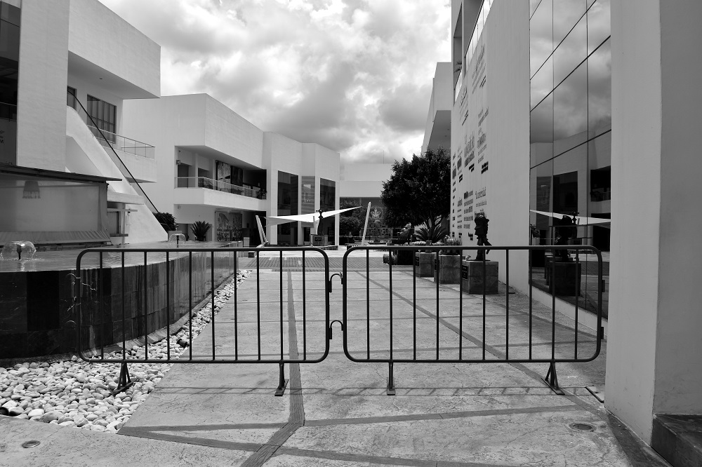 Universidad en el vacío: regresar y volver a irse/ Ana Mastretta Yanes