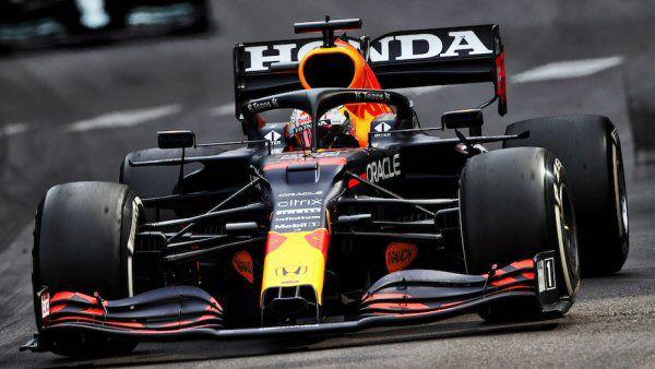 Gana Verstappen en Mónaco y es líder del campeonato de pilotos