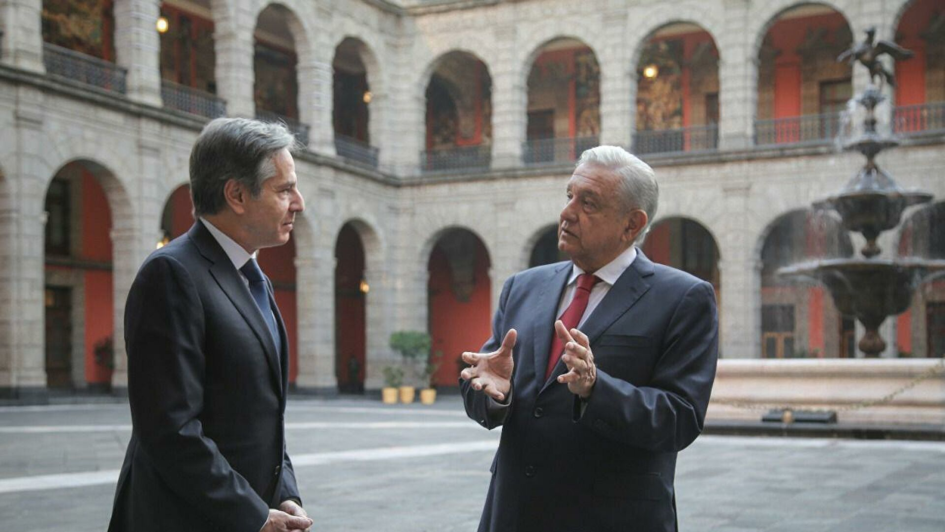 México-EU. Acero bajo la seda / Héctor Aguilar Camín