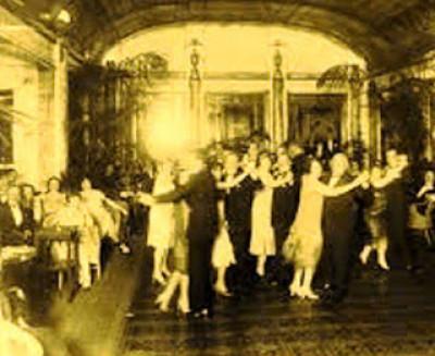 Aquellos bailes de aquella Puebla / Polo Noyola