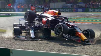 Batahola entre Hamilton y Verstappen. Ricciardo gana y Mclaren hace el 1-2 en Italia