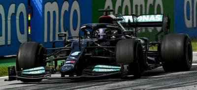 Hamilton insuperable en España. Checo Pérez en duda