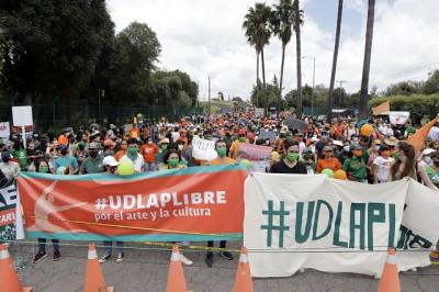 La comunidad UDLAP grita ¡basta ya, gobernador Barbosa!